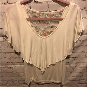 Tops - White t shirt with lace